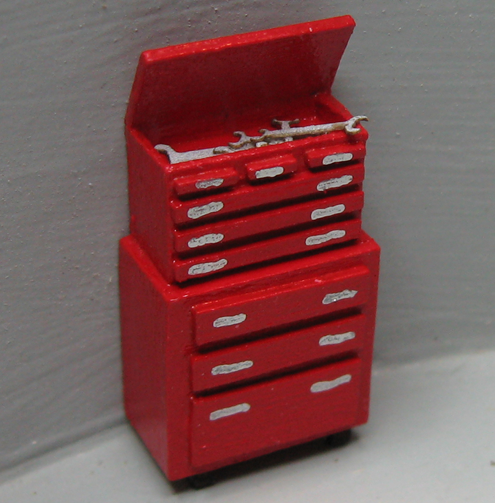 QS870 Roll-Away Toolbox with Tools